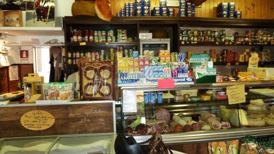 Pella, Италия: Merce esposta