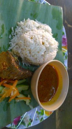 Kemaman Nasi Dagang: Food