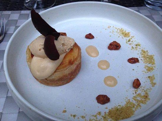"""Auberge La Jument Verte: tartelette pommes-calvados façon """"pasteis de nata"""""""
