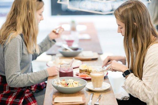 Orewa, New Zealand: Cafe Puff