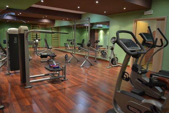 Marina Palace Hotel & Congress Hall: Area Fitness