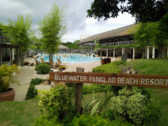 Bluewater Panglao Beach Resort: one of the pool area near reception