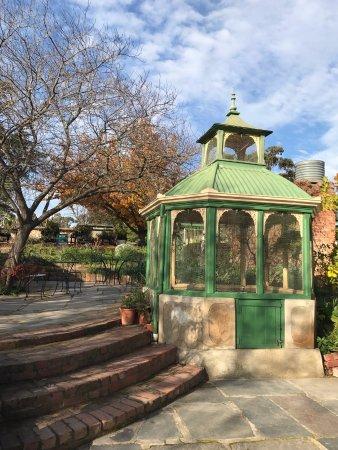Buda Historic Home and Garden: Buda Bird Aviary