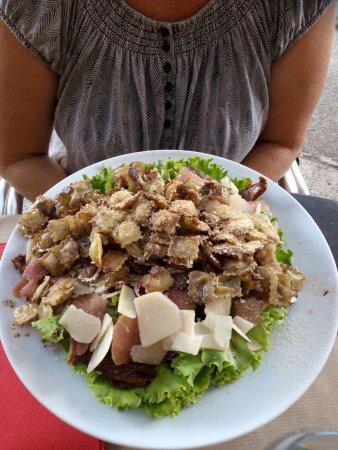 Rochebaudin, Frankrike: Salade de ravioles, gargantuesque !