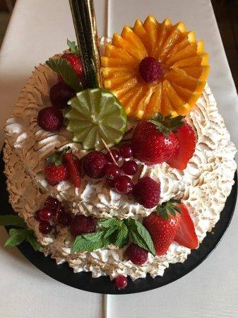 Evolene, Schweiz: un gâteau de banquet