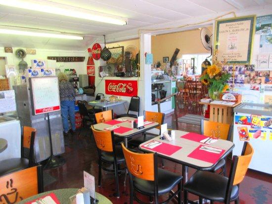 Buzzards Bay, MA: interior dining room