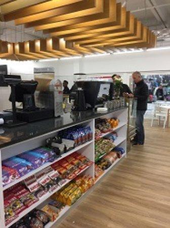 Hartlief Deli: New Checkout aisle