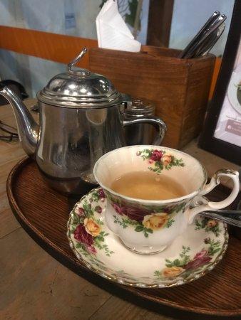 Honey & Bread Cafe: When my tea time feels like home!