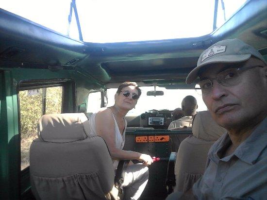 "Arusha Region, Tanzanya: La Toyota LandCrucier un ""fierro""..."