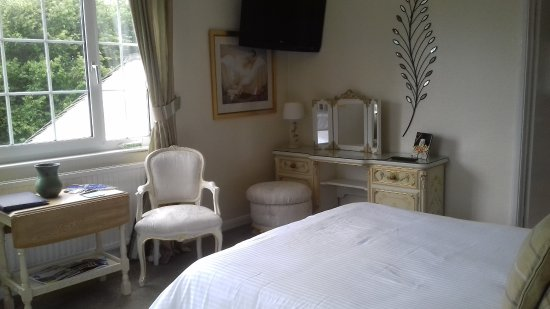 Dovers House: Edgcumbe Room large room with Italian style furniture
