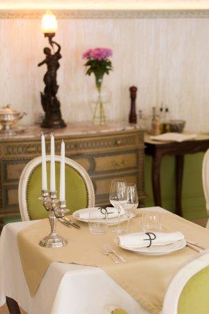 Truffle house bruno saint p tersbourg district de l - Restaurant la table de bruno saint maximin ...