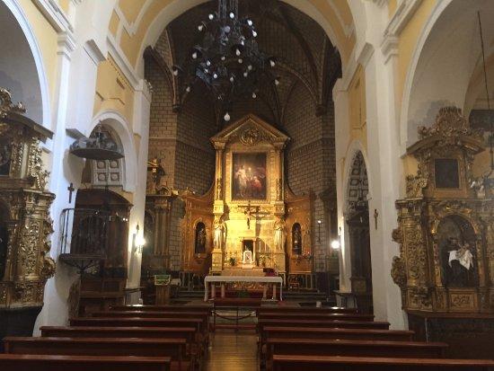 Iglesia de Santo Tome : The interior of the church