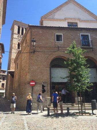 Iglesia de Santo Tome : The exterior of the church