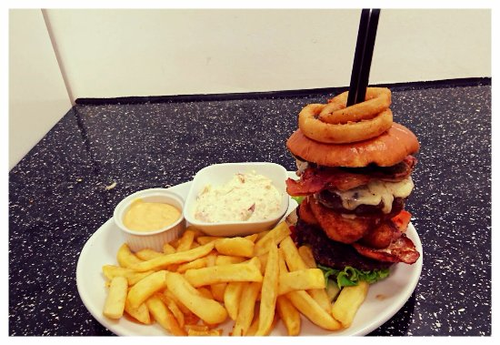 Nether Stowey, UK: Famous rose tower burger
