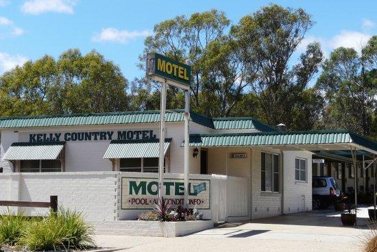 Motel from Glenrowan's Gladstone Street