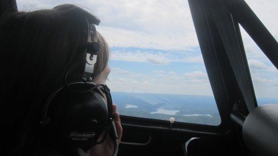 Lake Ozark, MO: talking to pilot thru headset