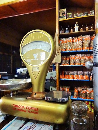 Tomoca: counter display
