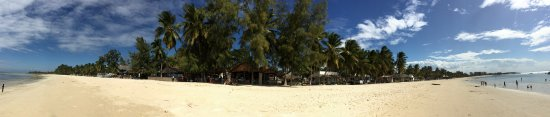 Bares e restaurantes na Praia do Wimbe, Pemba, Cabo Delgado Moçambique - www.gotopembard.com © 2
