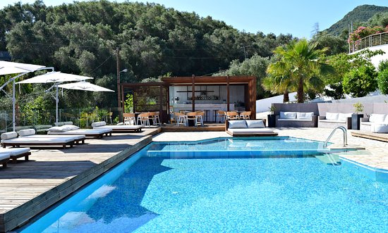 Messonghi, Grecia: Serene Pool Bar
