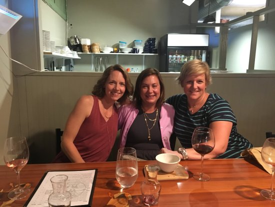 Cambridge, MD: Girls' night out wine and cheese tasting at The Wine Bar