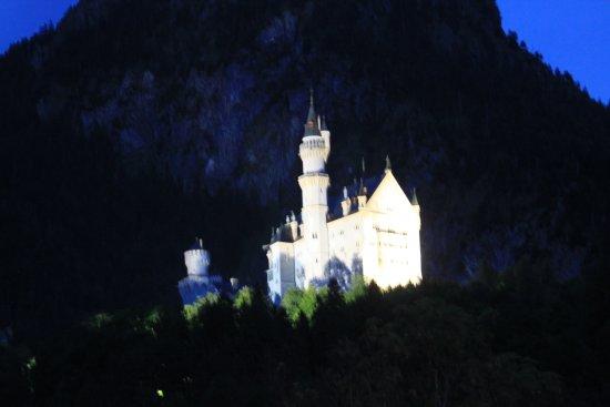 Hotel Garni Schlossblick : du balcon, vue sur la féerie...