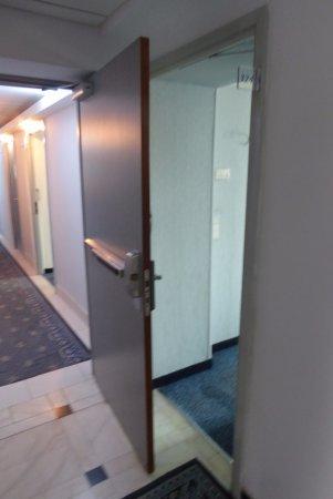 Continental Forum Sibiu: Access to Marital Suite, Suite Door Opened