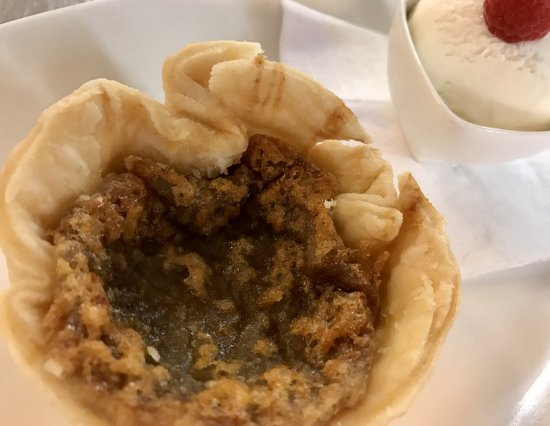 Windermere, Canada: Butter tart made with local maple syrup
