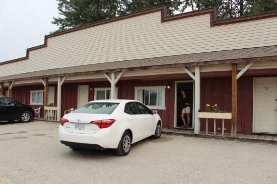 Frontier Motel Photo