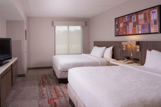 Hilton garden inn atlanta airport millenium center 118 1 2 7 updated 2018 prices hotel for Hilton garden inn atlanta airport millenium center