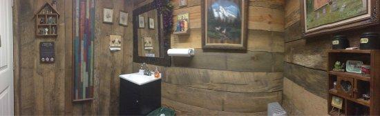 Norfork, AR: I love Heidi's style! (Restroom) 😃