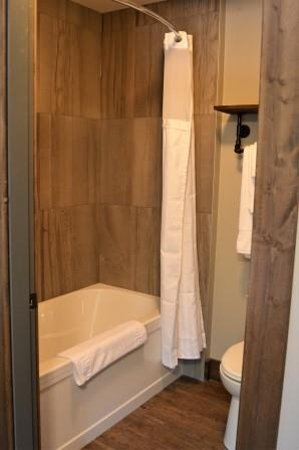 Harrison Mills, Canada: Private bath in each room