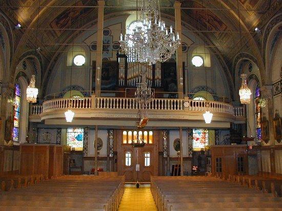 مونتريال, كندا: The organ was built by the Casavant Frères in 1910 (op. 401), and by Guilbault-Thérien in 1999-2