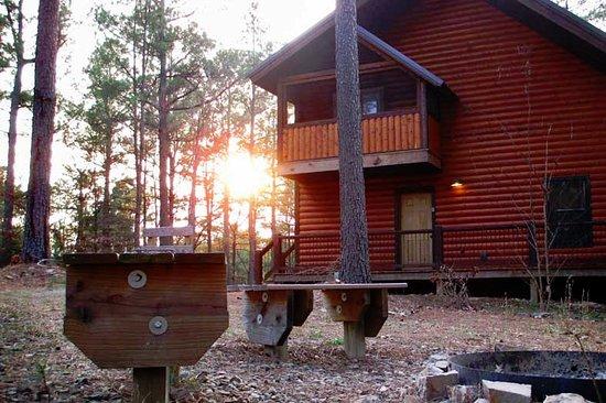 Beavers Bend Log Cabins: Burnt Whiskey