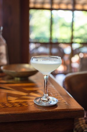 Deer Mountain Inn : Cocktails - Corpse Reviver #2