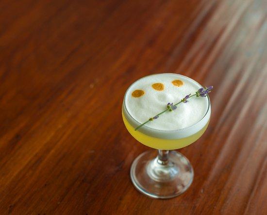 Aurora, Нью-Йорк: Hand-crafted Cocktails
