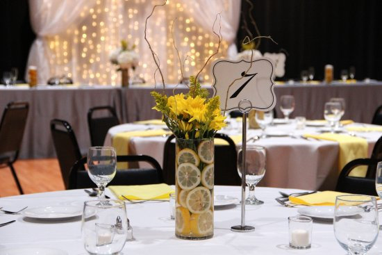Benton Harbor, MI: Wedding reception in the Deckmann Studio