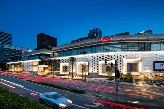 Торговый центр и рынок Century City