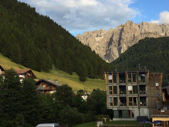 Mountain design hotel eden selva bewertungen fotos for Design hotel eden selva
