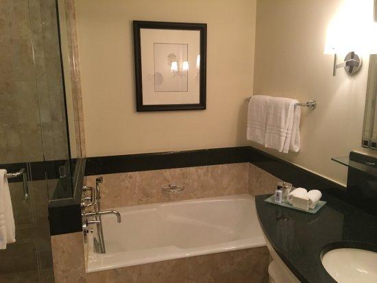 Bathroom - Picture of Four Seasons Hotel Miami, Miami - TripAdvisor