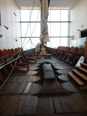 Viking World: Il ponte della nave vichinga ricostruita