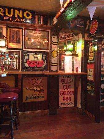 Dungarvan, Irland: The Local
