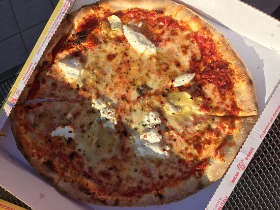 Pizzeria Ristorante Caminetto: photo1.jpg