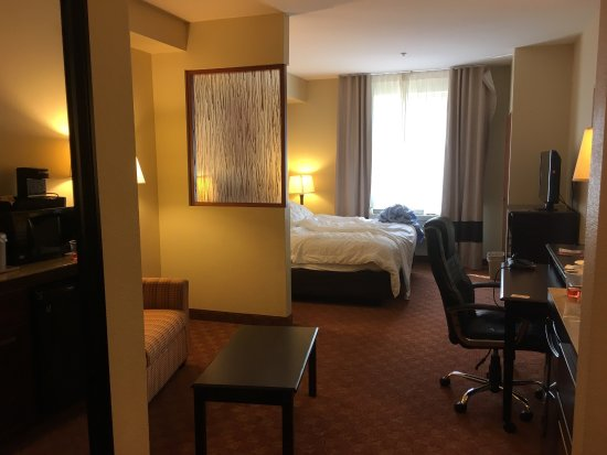 Comfort Suites Eugene: Whirlpool king suite #216 (largest in hotel)