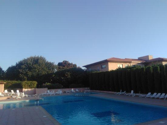 Apartamentos Maeva Amandine: La piscine