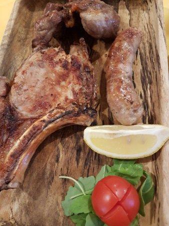 Abbateggio, Italia: Mixed Grill