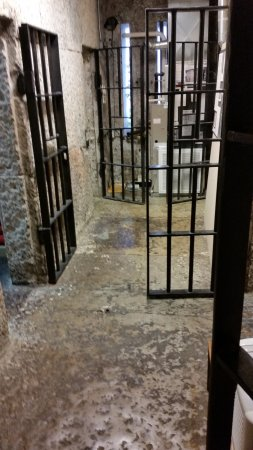 Franklin, KY: First Floor Jail Cells