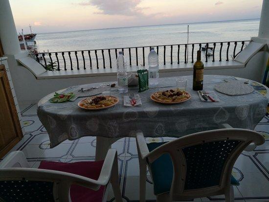 Le Terrazze: cena classica con vista mare dal residence