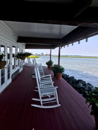 Lighthouse Club Hotel an Inn at Fager's Island: Pictures from our wonderful stay the first week of August 2017. The room, the grounds, and the a