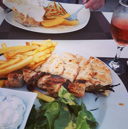 Acropolis roof garden restaurant lindoksen ravintola for Acropolis cuisine