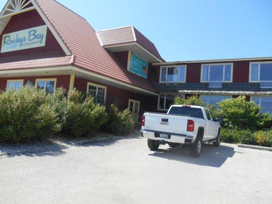 Grandma's Swedish Bakery at Rowleys Bay Resort: Beautiful building--the views were wonderful and has outside seating.